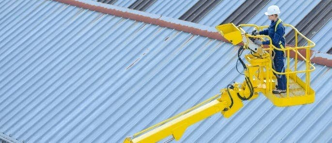 Cherry picker lifting operations and lifting equipment